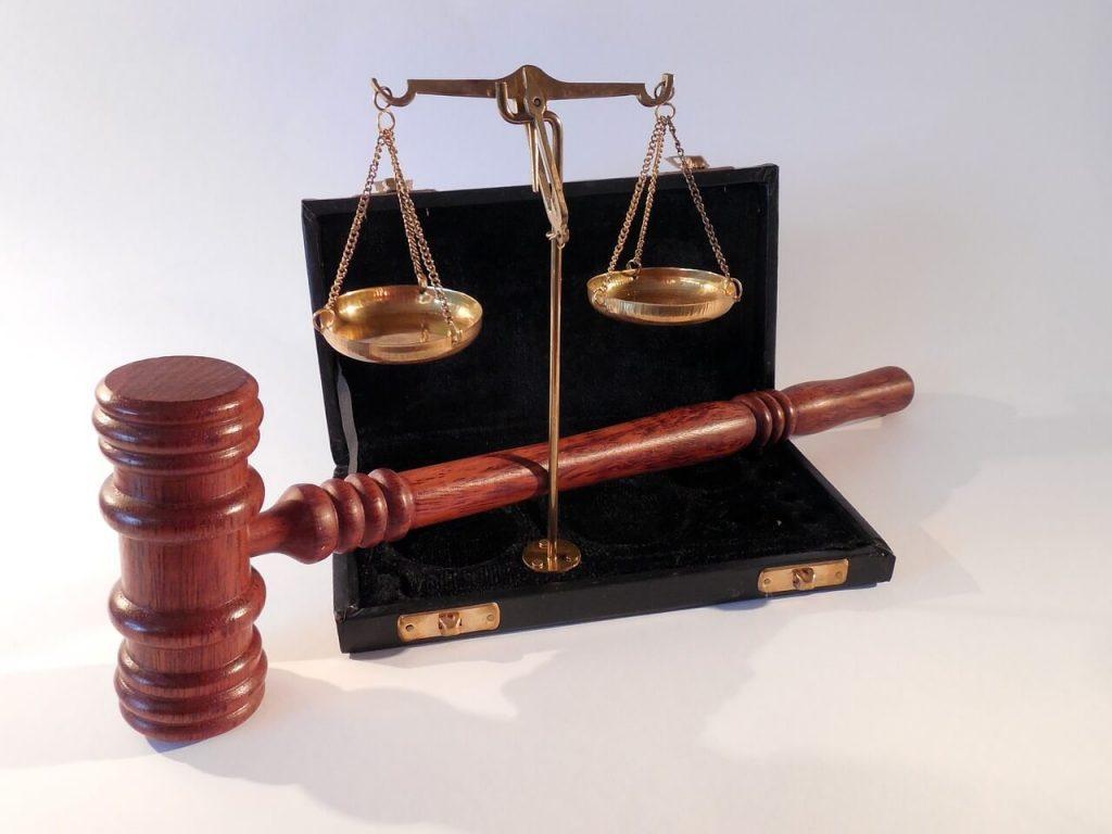 Anwalt oder Inkasso? Was ist die richtige Prozesskostenhilfe?
